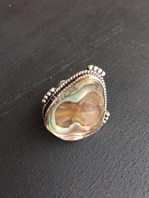 Prachtige zilveren ring met abalone / parelmoer, maat 17,5