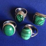 Prachtige zilveren ring van malachiet, maat 17_