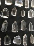 Heldere geslepen bergkristal punt_