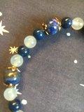 Mooie armband met lapis lazuli  en chalcedoon kralen_