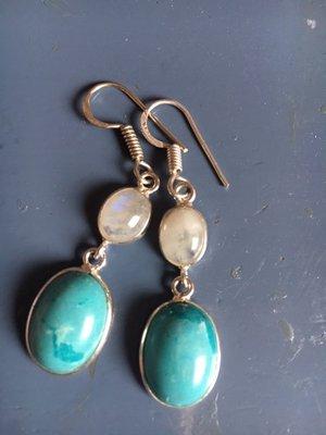 Zilveren oorhangers met maansteen en turkooise