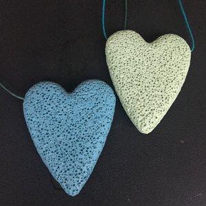 Groot hart van lavasteen groen
