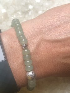 Fijne armband van groene aventurijn met zilveren tussenkralen