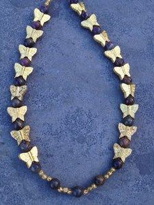 Ketting met Jaspis en gouden vlindertjes