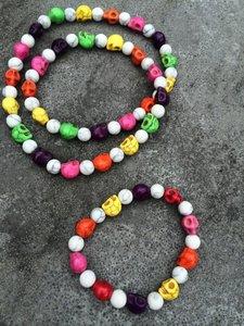 kleurrijke armband met skulls van howliet
