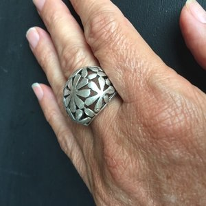 Geweldige silverplated verstelbare ring met bloemen