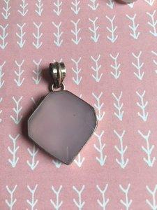 Mooie stevige zilveren gefacetteerde hanger van rozenkwarts