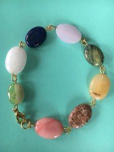 Armband in vrolijke kleuren