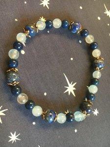 Mooie armband met lapis lazuli  en chalcedoon kralen