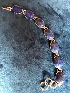 Mooie zilveren armband met prachtige ovalen lapis lazuli stenen